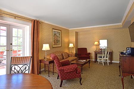 Hotels With Jacuzzi Near Mohegan Sun